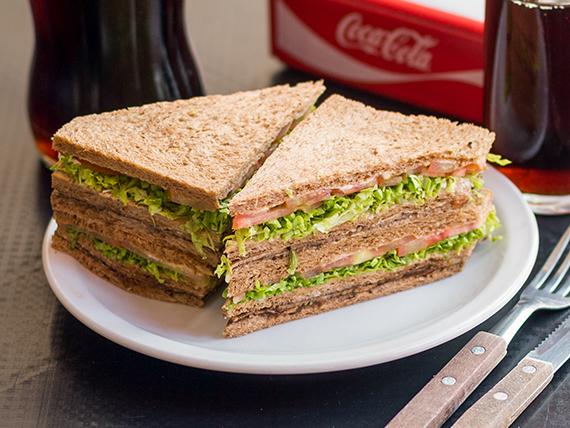Sándwich de miga especial de ternera