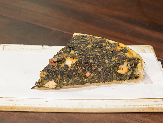 Tarta pascualina (porción)