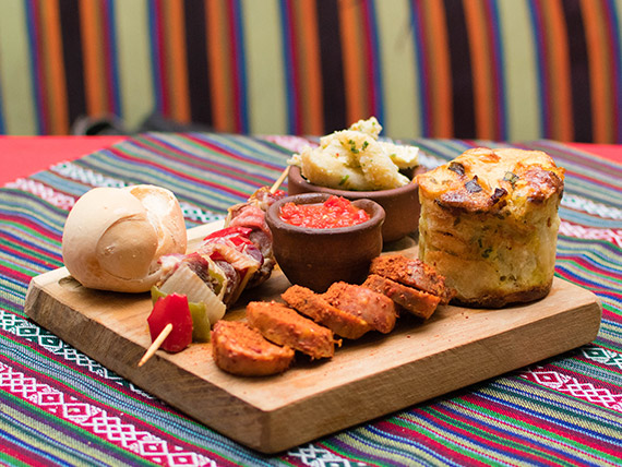 Tablita española + mondongo a la provenzal
