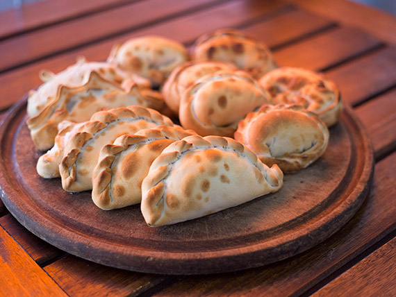 Empanadas tradicionales (12 unidades)