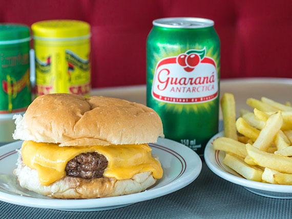 Trio 3 - cheese burguer + batata frita + suco natural ou refrigerante em lata