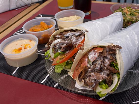 Promo 2 - Dos shawarmas + hummus + pasta de berenjena + tabule + ensalada de zanahoria + pan mini + 2 gaseosas 250 ml