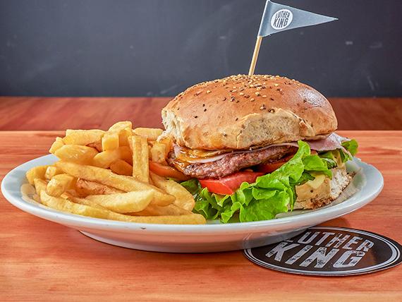 Hamburguesa casera King con papas fritas