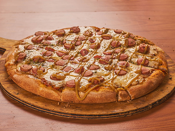Pizza muzzarella y frankfurt
