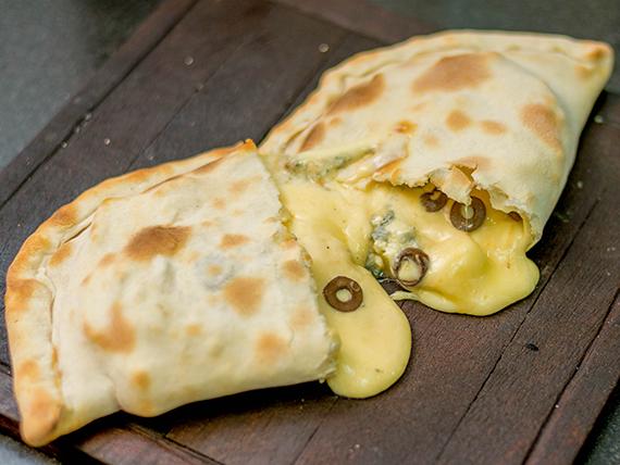 Calzone 4 quesos