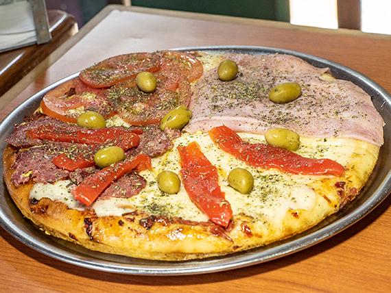 Pizza cuatro gustos