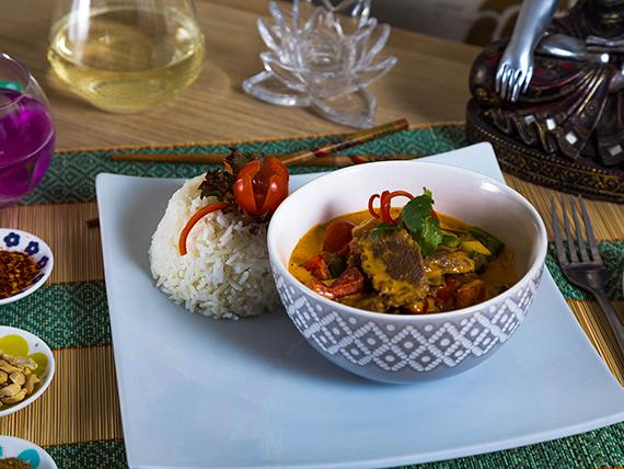 Curry rojo de lomo