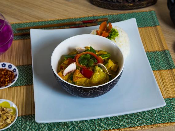 Curry amarillo vegetariano