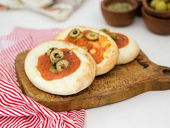 Pizzeta rellena con muzzarellla