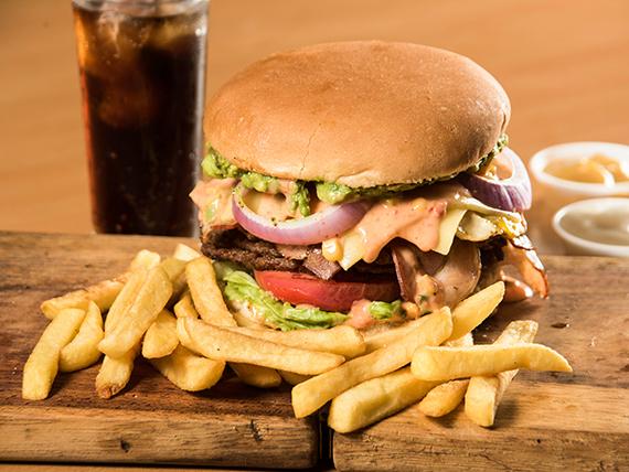 Combo - Hamburguesa la Caribeña + papas fritas + bebida 350 ml