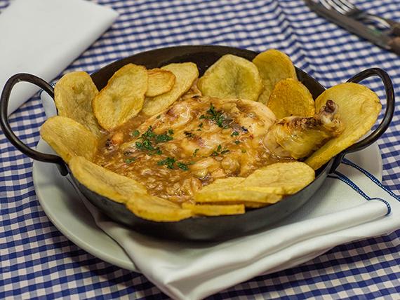 Promo - Pollo al ajillo + papas españolas
