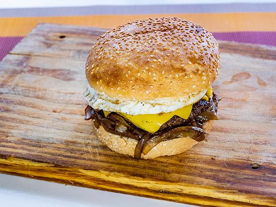 10 - Hamburguesa a la criolla