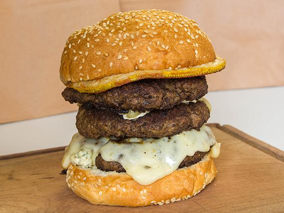 1 - Hamburguesa cuatro quesos triple