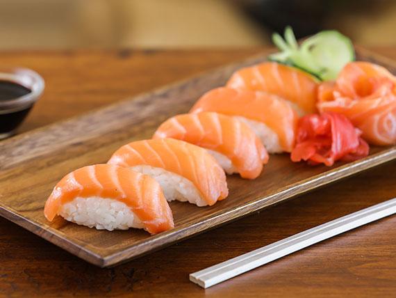 Niguiri de salmón fresco