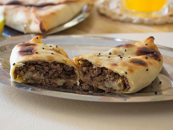 Sfija de carne picante (empanada árabe)