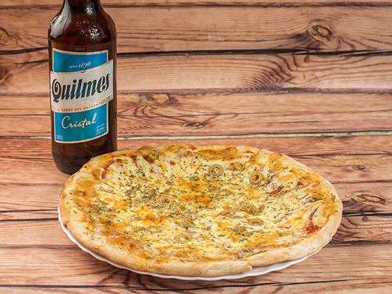 Promo - Pizza muzzarella (8 porciones) + gaseosa Pepsi 1.5 L o cerveza Quilmes 1 L
