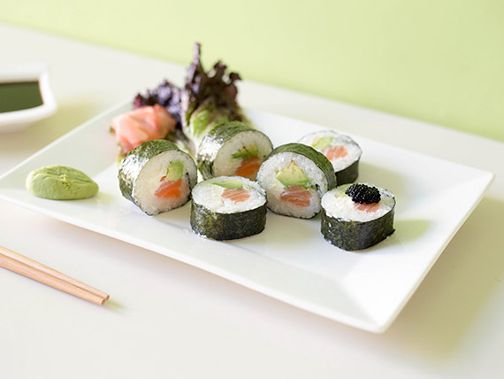 Maki salmón, palta y Philadelphia roll