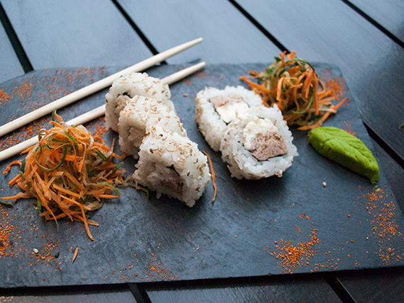 Tuna roll (5 piezas)