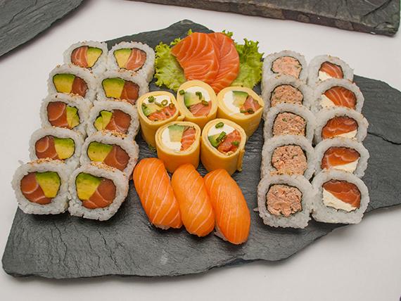 Tabla premium - 30 piezas, solo salmón