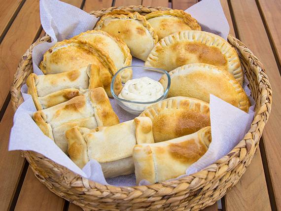 Empanaditas de queso y champiñón (6 unidades)