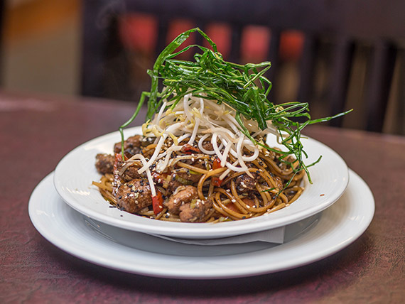 Spaghetti al Wok con verduras