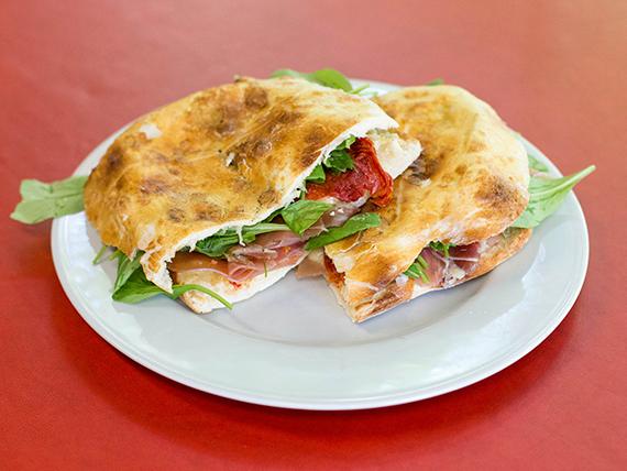 Sándwich con rúcula