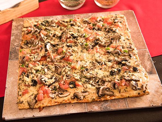 Pizza la vegetariana mediana