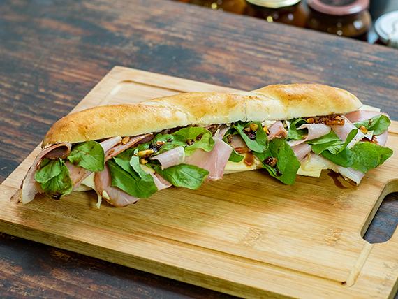 Sándwich lomo acaramelado