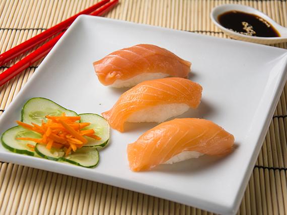 Niguiris de salmón (5 piezas)
