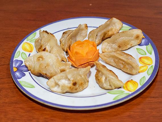04 - Empanaditas chinas a la plancha (8 unidades)