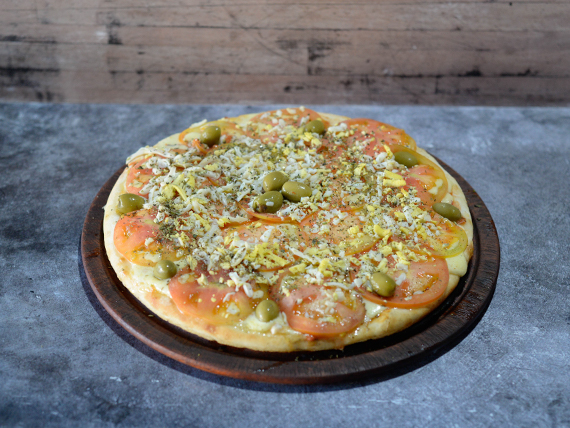 Pizza napolitana con huevo