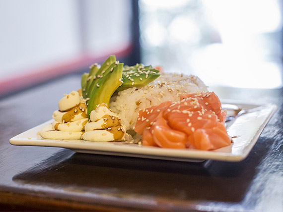 Sushi salad especial