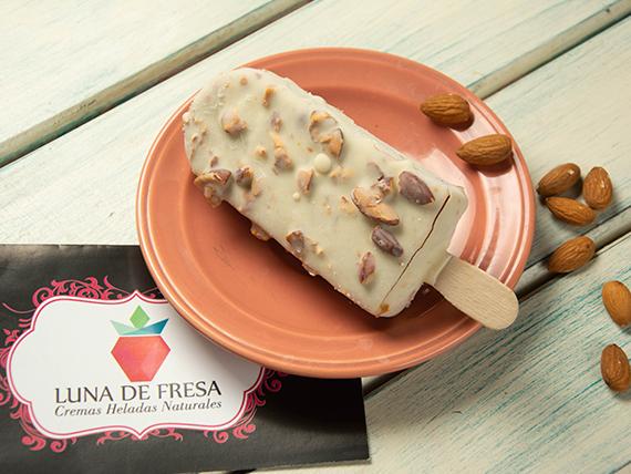 Paleta helada especial dulce de leche com almendras