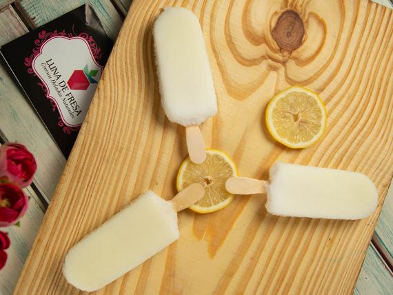 Paleta helada limón al agua