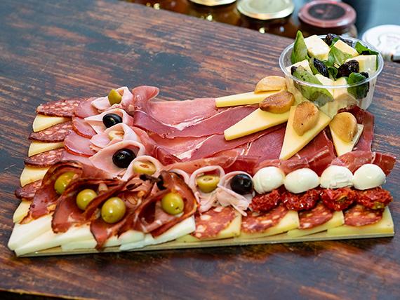 Tabla de fiambres y quesos ''La española'' Express (comen 2 personas)