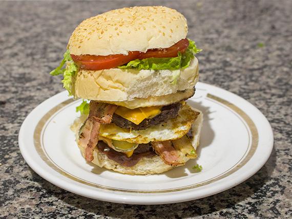 Hambúrguer Fusca egg bacon