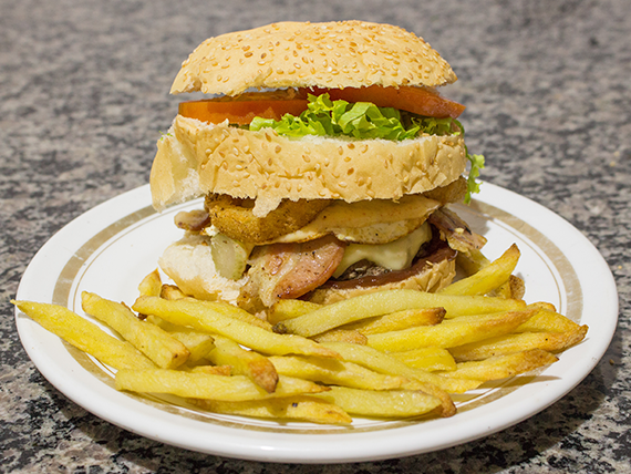 Kombinado - Corcel onion burguer + fritas + refrigerante lata