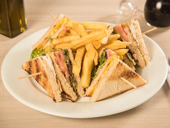 Sándwich Club Melba