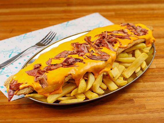 Mila cheddar con crocante de panceta + fritas