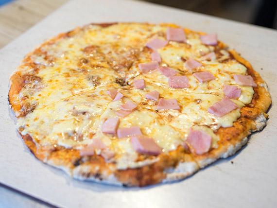 Pizza mitad y mitad tradicional con muzzarella 32 cm