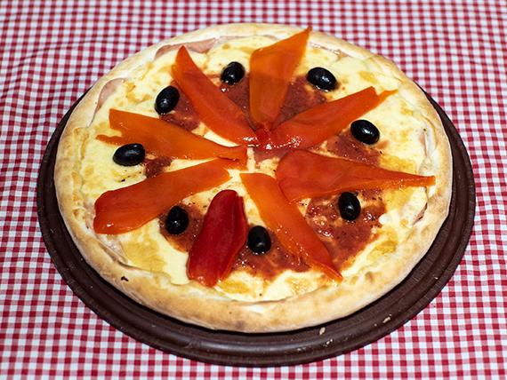 8 - Pizza jamón y morrones