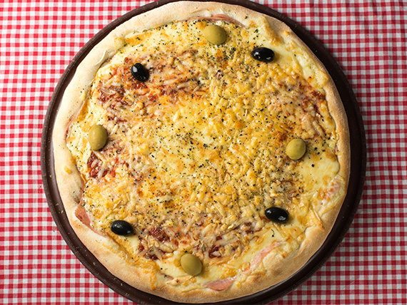 14 - Pizza provolone