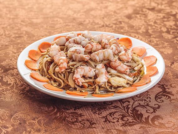 25 - Fideos saltados de camarones