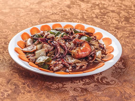 89 - Cazuela de mariscos a la china con arroz