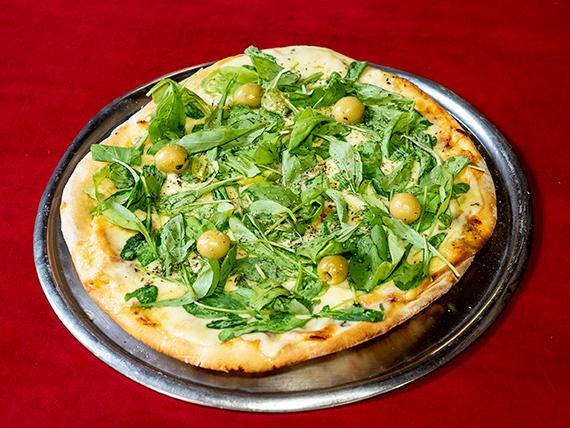 Pizza con rúcula grande