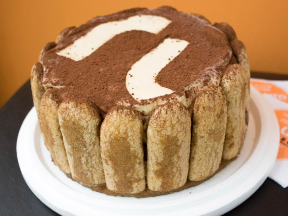 Torta helada tiramisú (10 porciones)
