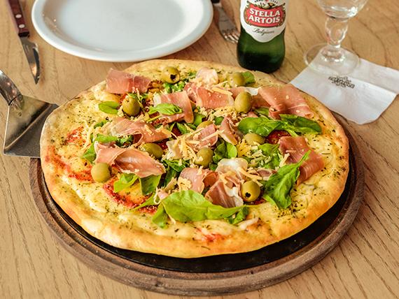 Pizza con jamón crudo