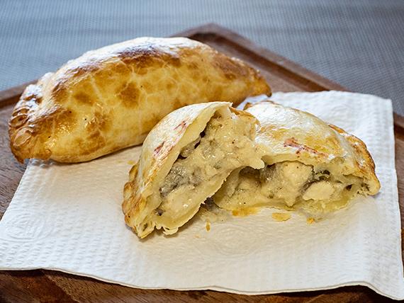 Empanada de pollo al champignon (PC)