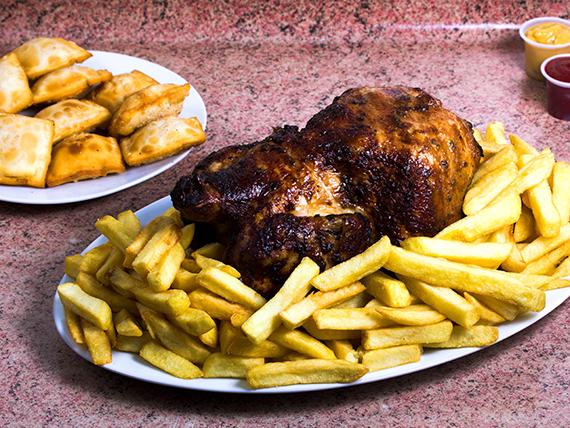 Promo 4- Pollo asado entero+ papas fritas para 4 + 10 empanaditas + bebida 1.5 L