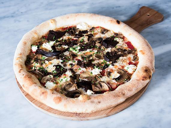 Pizza del bosque trufado